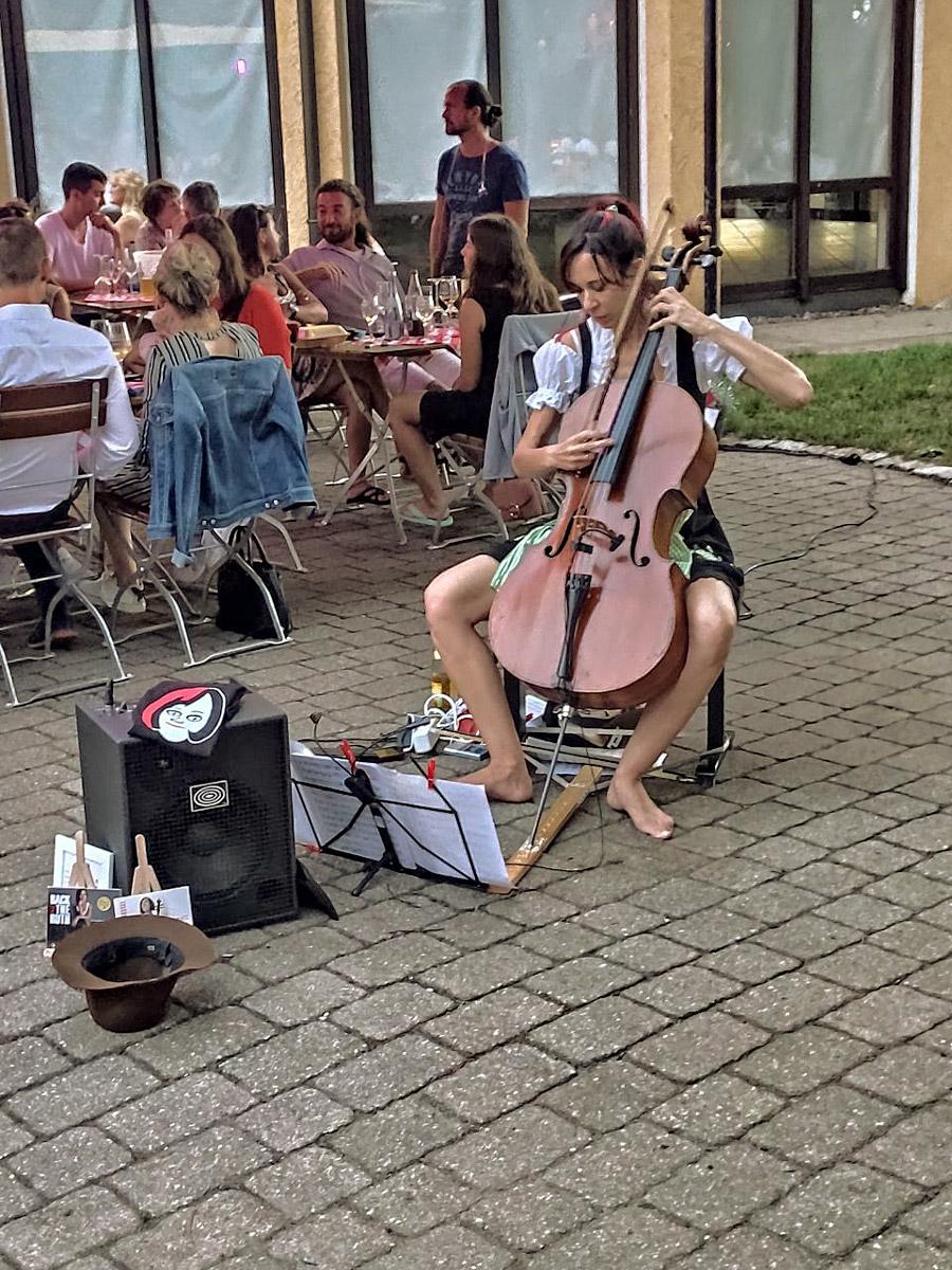 Cello Konzert Back2TheRuth